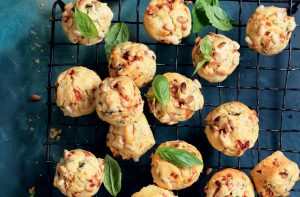 Sun-dried tomato and roasted capsicum muffins