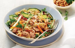 Tuna with vegetable strips and risoni