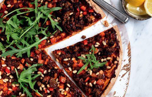 Turkish spicy beef pizza