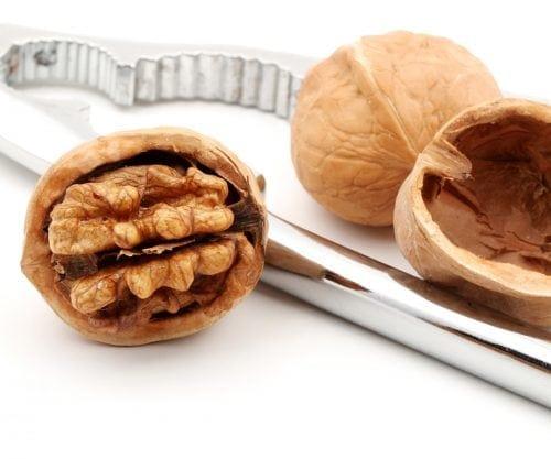 Walnuts' benefits in a nutshell