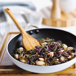 1 recipe = 4 dinners: Herby onion and butter bean mix