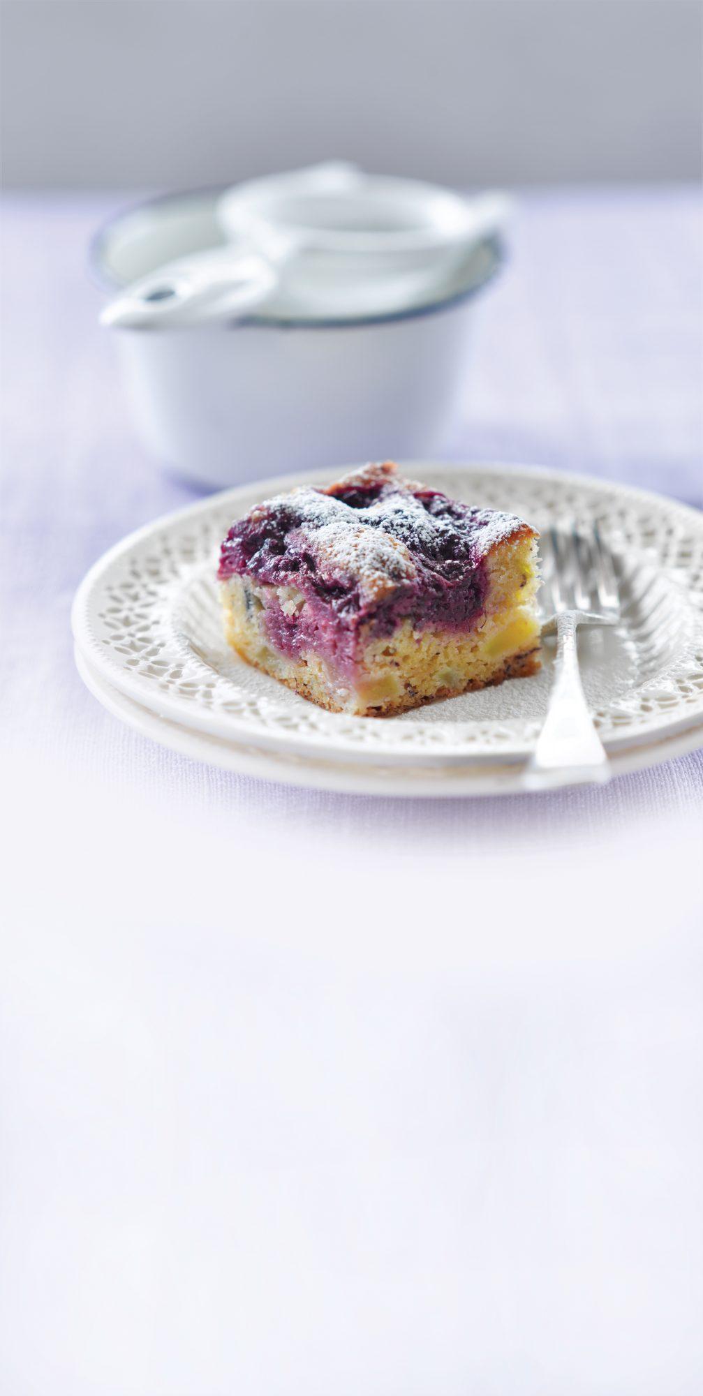 Apple and boysenberry gluten-free bake