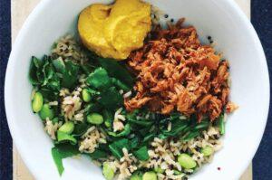 Bean, tuna and hummus bowl