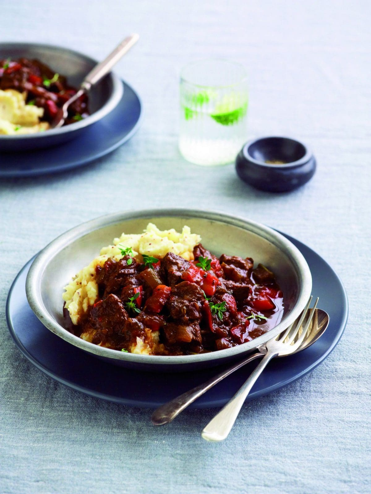 Beef goulash healthy food guide beef goulash forumfinder Choice Image