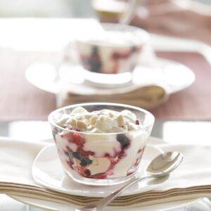 Berry meringue crunch