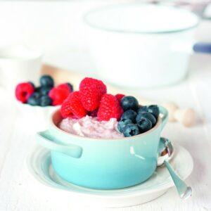 Berry yoghurt oats