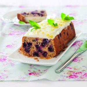 Blackcurrant almond yoghurt cake