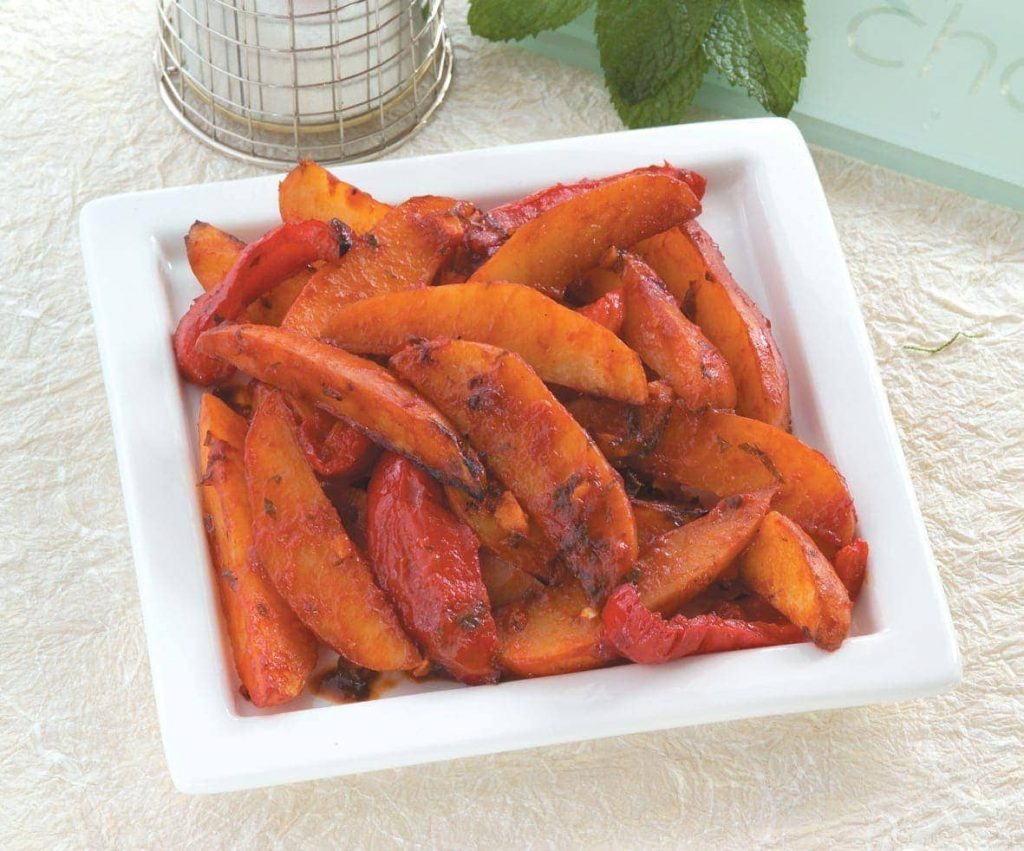 Blushing potato and chicken wedges