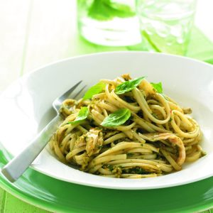 Chicken linguine with tomato and basil pesto