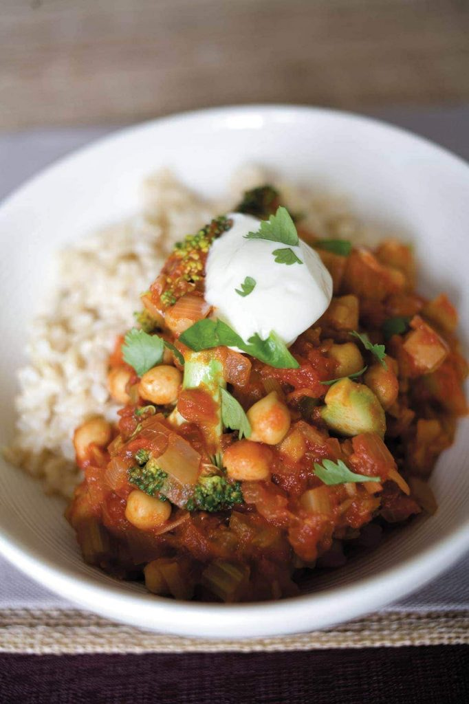 Chilli tomato sauce with chickpeas