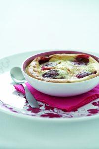 Creamy almond plum pudding