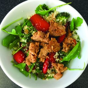 Crunchy couscous and tuna salad