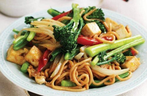 Egg and tofu stir-fried noodles