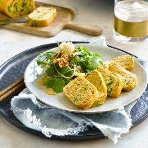 Egg roll with spring onion