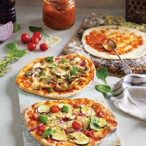 Freezer-friendly individual pizza bases and sauce