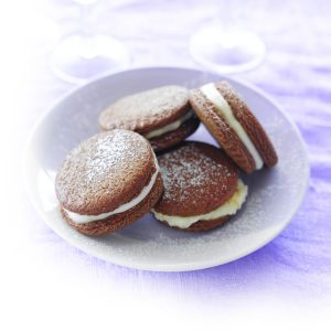 Ginger and cream sandwiches