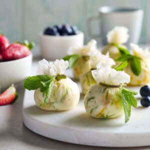 Lemon and lime cheesecake moneybags