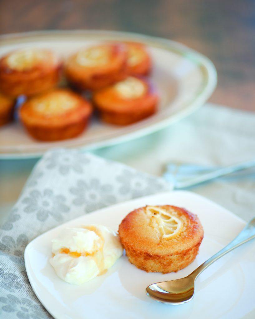 Lemon and almond cakes