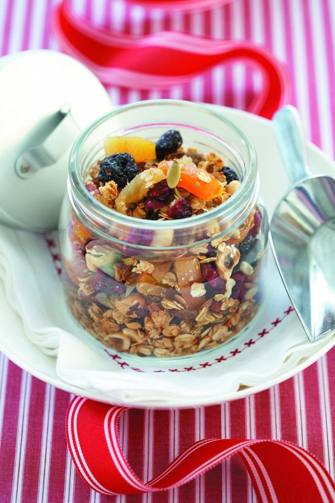 Mixed nut and cherry muesli