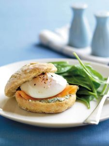 Oatcakes with smoked salmon and poached egg