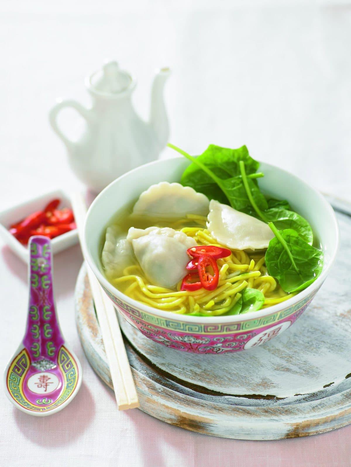 Quick spring soup with dumplings