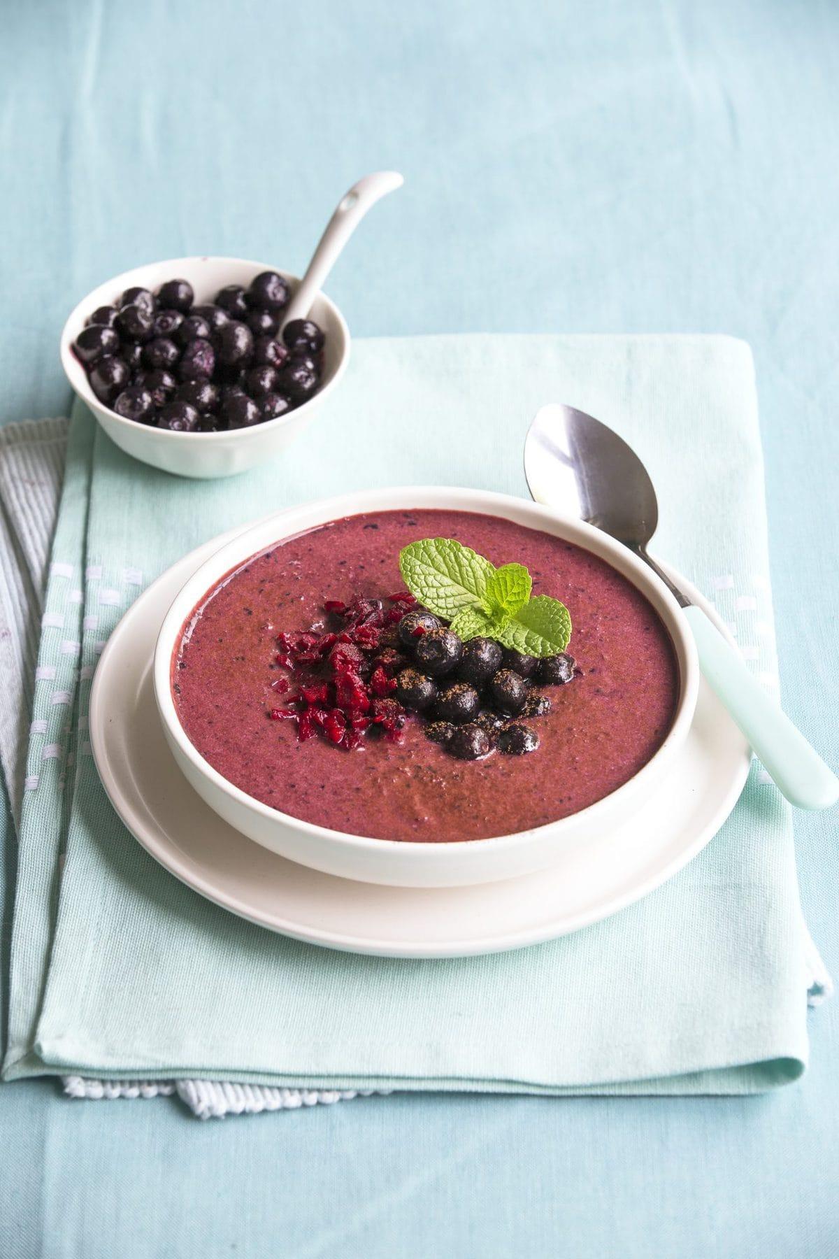 Red velvet smoothie bowl