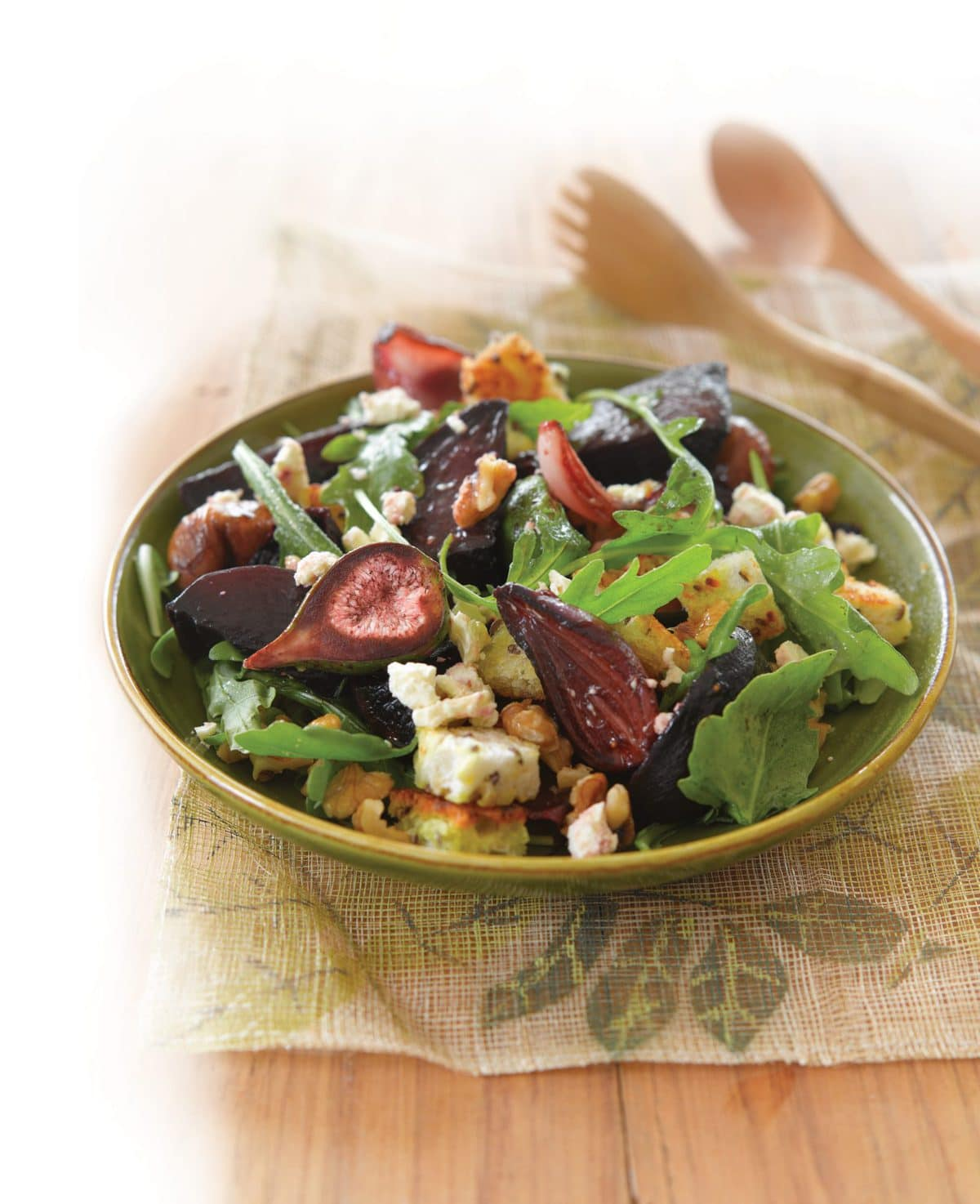 Roasted fig, beetroot, walnut and goats' cheese salad ...