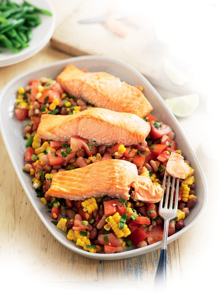 Roasted salmon with Mexican salad