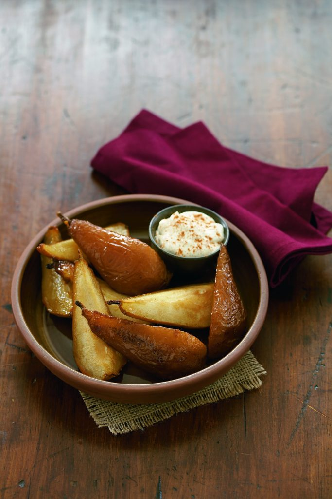 Roasted pears with cinnamon mascarpone