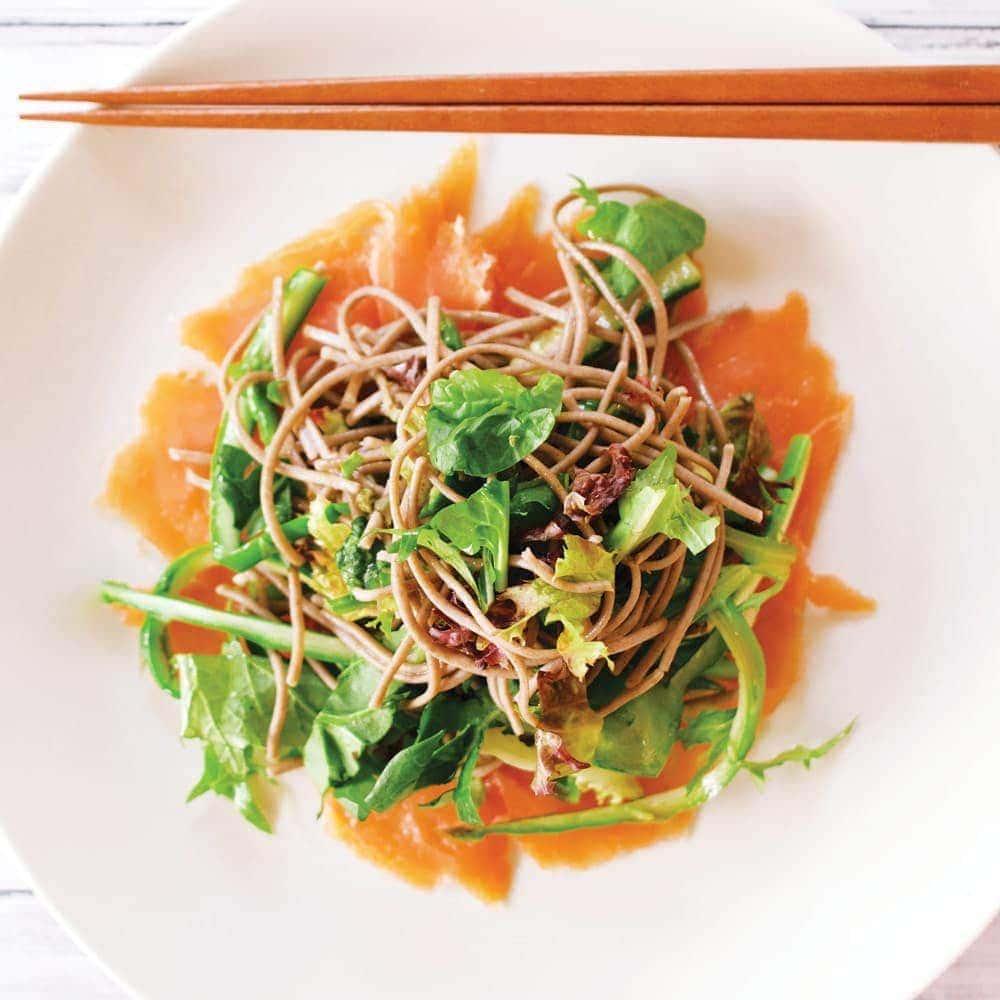 Salmon soba salad