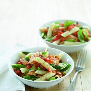 Salmon, tomato and asparagus pasta