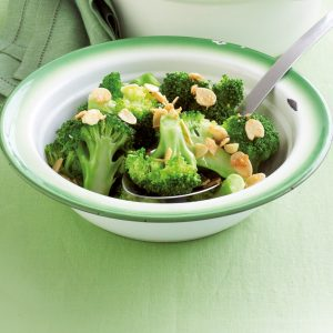Sautéed broccoli with garlic and almonds