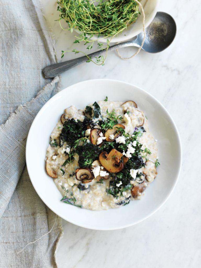 Savoury porridge with mushrooms, thyme, feta and kale