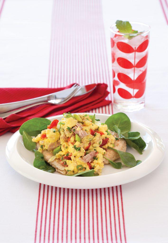 Scrambled eggs with tuna