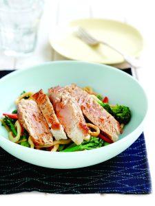 Sesame tuna with stir-fried noodles