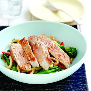 Sesame tuna with stir-fried noodles
