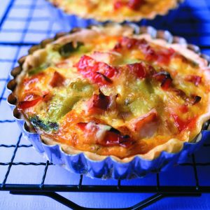 Smoked chicken tartlets