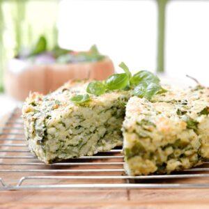 Spinach, pesto and lemon risotto cake