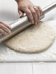 Step by step: Basic pizza dough