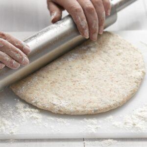 Step by step: Basic pizza dough
