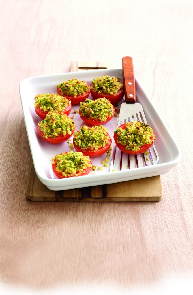Tomatoes with pesto crumbs