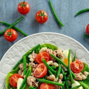 Tuna, bean and tomato salad