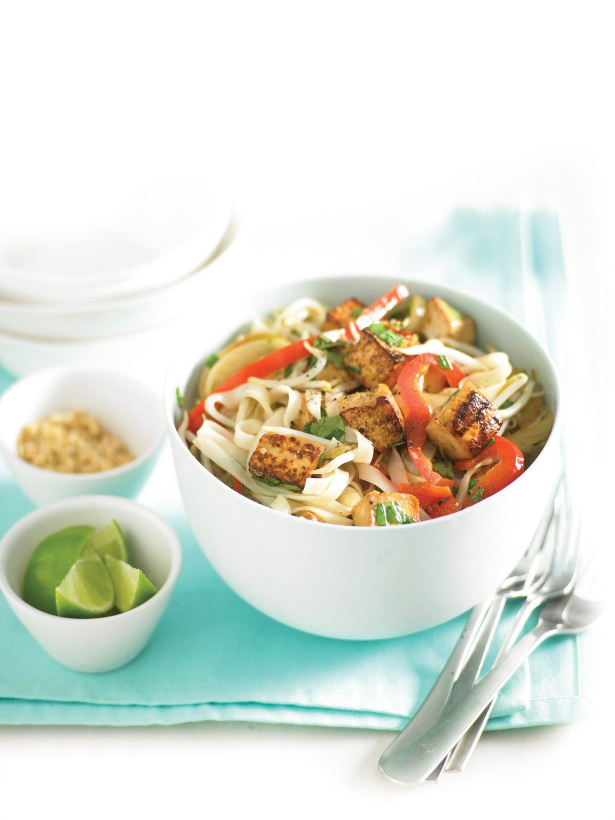 Vegetarian pad thai healthy food guide vegetarian pad thai forumfinder Gallery