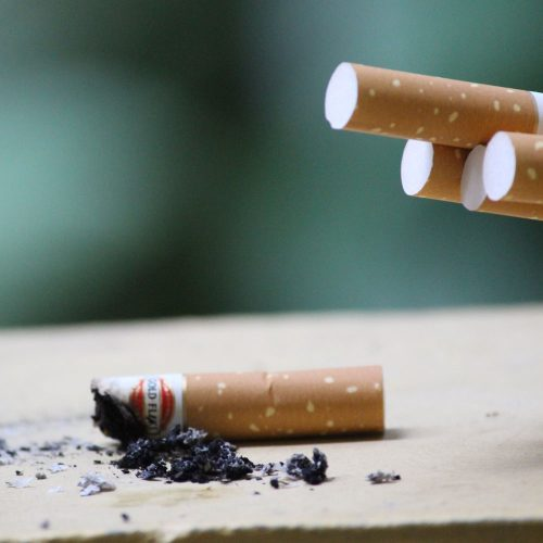 Smoking drops in NZ adults - data