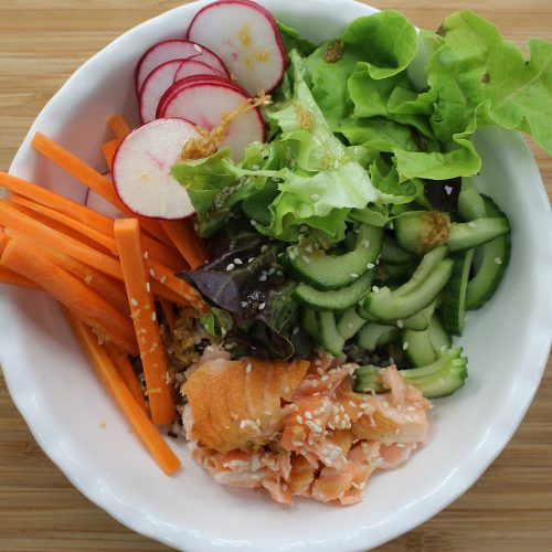 How to make: Seared salmon sushi bowls