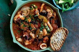 Seafood and black bean stew
