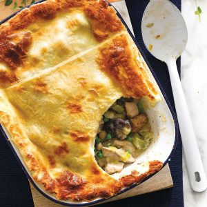 Creamy chicken and vegetable pie