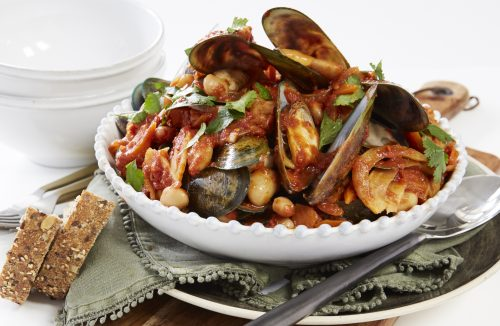 Tomatoey mussels with smoked paprika and beans