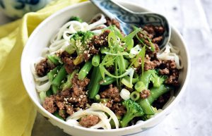 Chinese-style mince with noodles