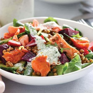 Salmon lentil salad with cucumber cream